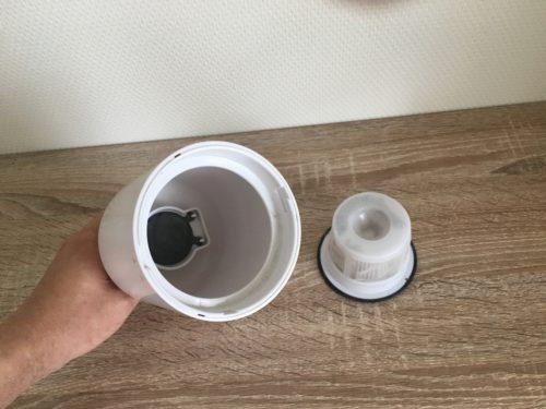 プラスマイナスゼロコードレスクリーナーのダストボックスの掃除